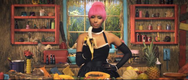 nicki-right-before-she-cuts-off-your-banana